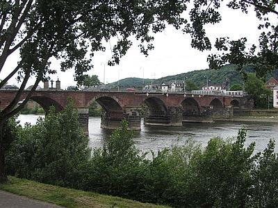 Die Moselbrücke bei Trier